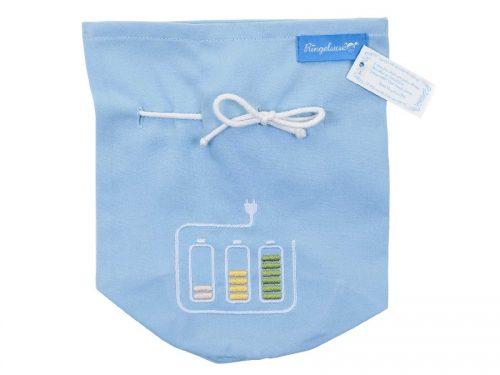 Aufbewahrung für Ladegeräte hellblau mit Zierstickerei