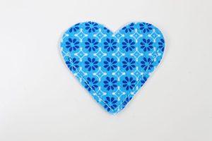 Lesezeichen Stoff genäht Herz blau Blumen
