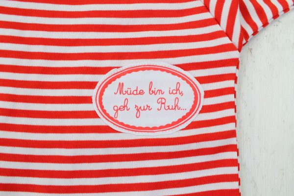 Kleinkind Schlafanzug Müde bin ich geh zur Ruh rot weiß